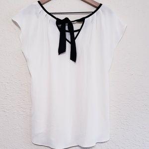 Lauren Conrad white chiffon blouse w black tie Lg